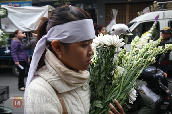 Lễ đưa tang đầy nước mắt của cô gái bị chém và thiêu sống ở Đà Nẵng 3
