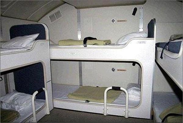 Cận cảnh phòng ngủ trên máy bay của các nữ tiếp viên hàng không 5