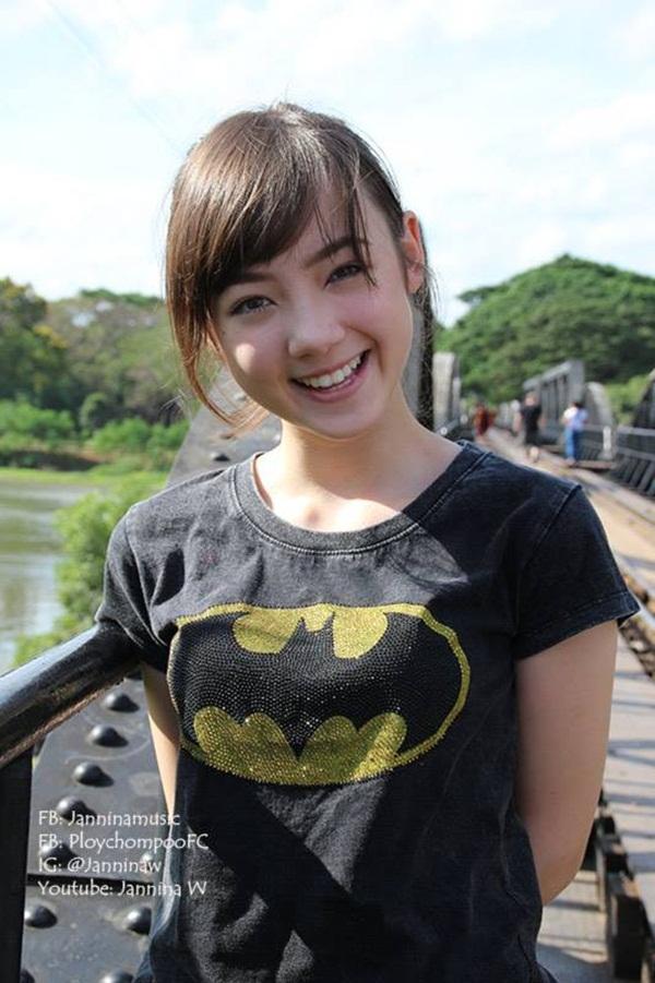 """Hot girl Thái Lan cực xinh cover """"Bèo dạt mây trôi"""" 9"""