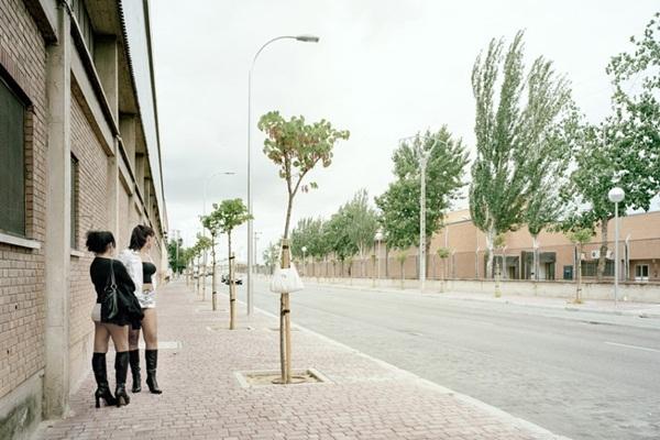 """Bộ ảnh chân thực về """"gái đứng đường"""" ở Tây Ban Nha 3"""