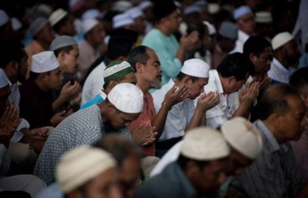 Kết quả hình ảnh cho cầu nguyện malaysia