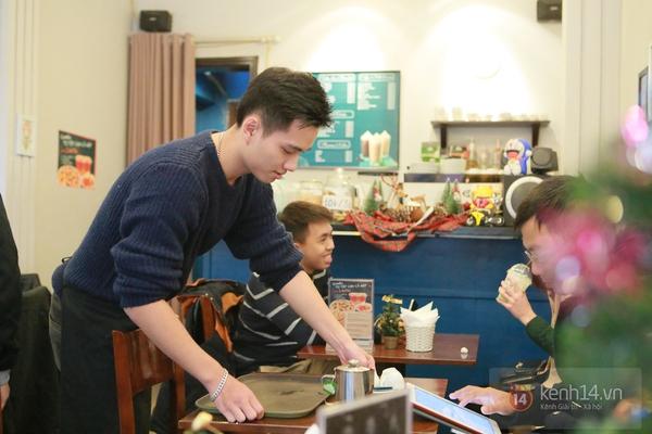 Ngó nghiêng những chàng phục vụ đẹp trai ở các quán cafe hot tại Hà Nội 3