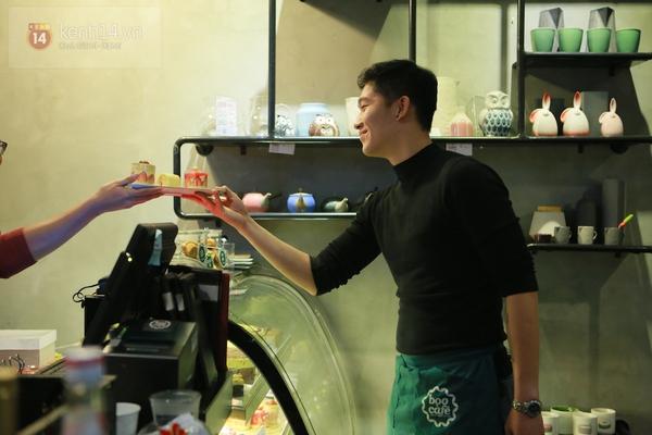 Ngó nghiêng những chàng phục vụ đẹp trai ở các quán cafe hot tại Hà Nội 5