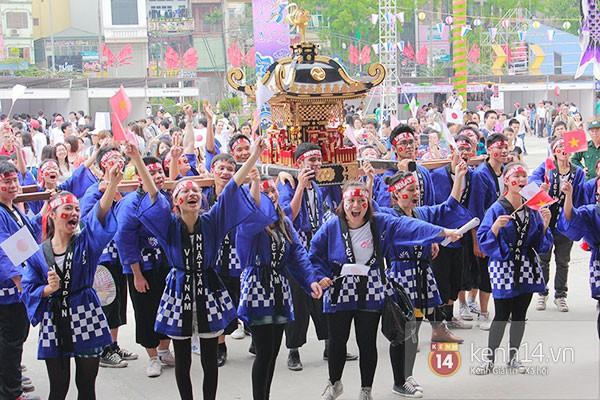 Giới trẻ Hà thành sôi động cùng lễ hội hoa anh đào 3