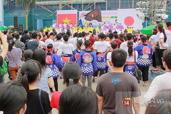 Giới trẻ Hà thành sôi động cùng lễ hội hoa anh đào 1