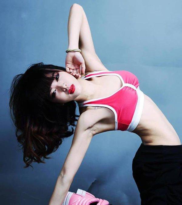 Hana Giang Anh - Cô nàng HLV thể dục 20 tuổi cực hot trên Youtube 8