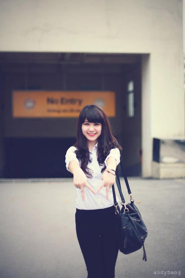 Ngắm hot girl Việt mặc đồng phục giản dị nhưng vẫn cực xinh 15