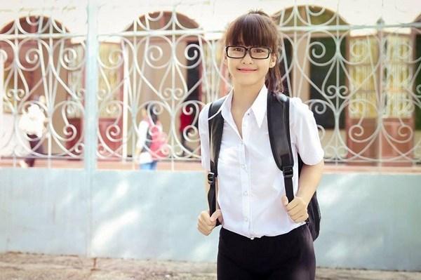 Ngắm hot girl Việt mặc đồng phục giản dị nhưng vẫn cực xinh 8
