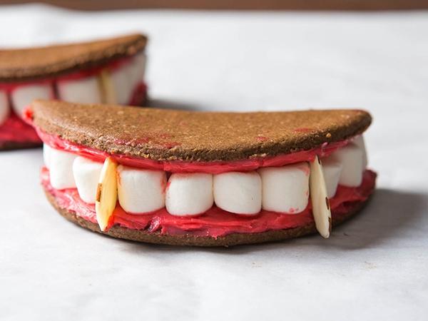 Ý tưởng bánh kẹp cực độc cho bữa tiệc Halloween nhắng nhít 6