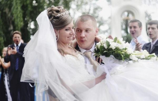 """Vòng quanh thế giới xem tục lệ cưới hỏi ngọt ngào và """"quái chiêu"""" 13"""