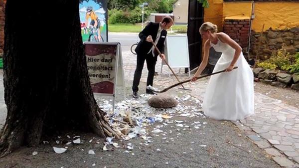 """Vòng quanh thế giới xem tục lệ cưới hỏi ngọt ngào và """"quái chiêu"""" 10"""