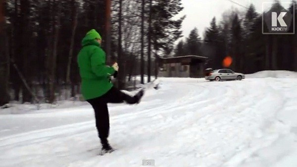 Thủ môn nghiệp dư Lassi Hurskainen lại tung clip biểu diễn gây sốt 1