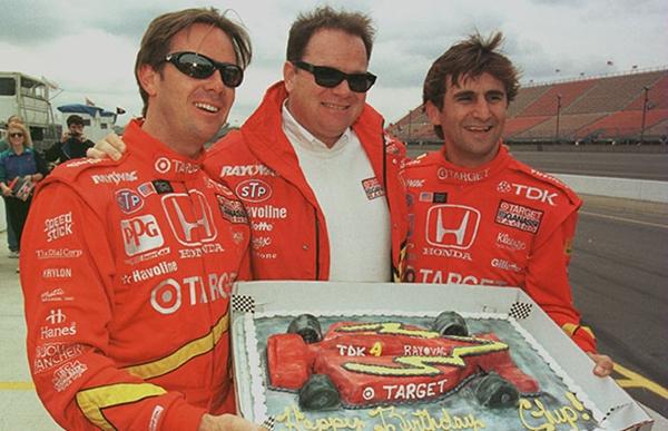 Loạt bánh sinh nhật hình cặp mông, con voi, xe đua... siêu độc của các sao thể thao 18