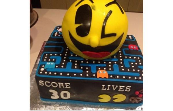 Loạt bánh sinh nhật hình cặp mông, con voi, xe đua... siêu độc của các sao thể thao 7