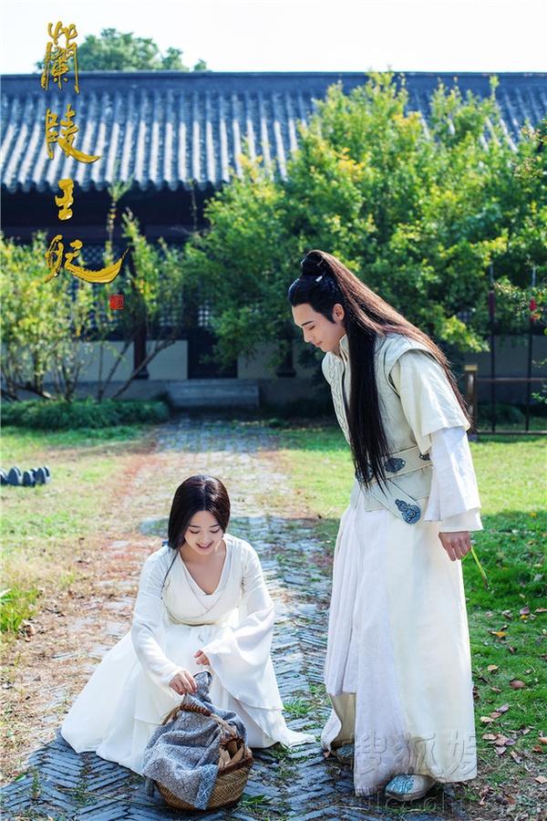 Chiến thần Lan Lăng Vương khoe ảnh xinh hơn con gái 5