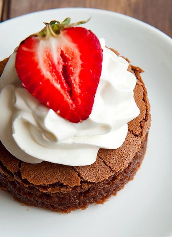 Bánh chocolate làm bằng bột nếp cực lạ mà siêu ngon 8