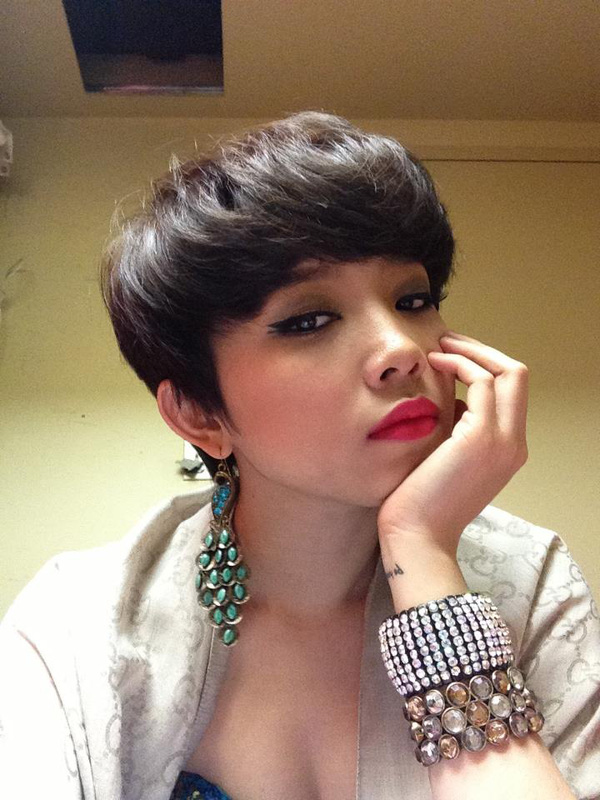 Tóc Tiên biến tấu đủ kiểu mới lạ cho mái tóc ngắn 12