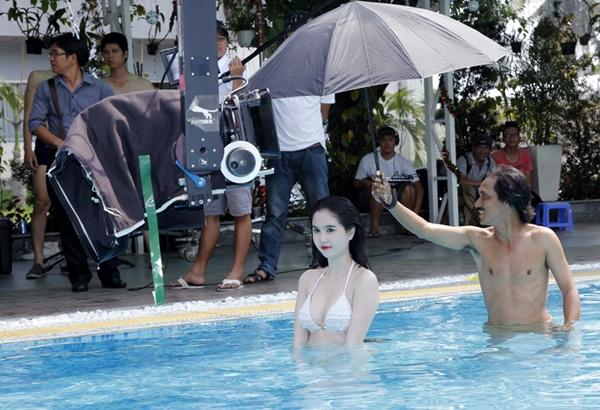 Ngọc Trinh lần đầu đóng phim đã khoe thân táo bạo 10