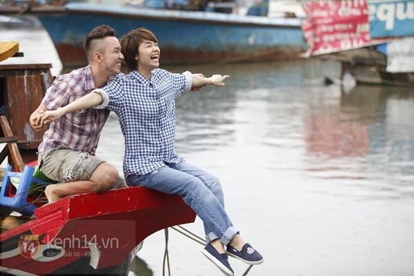 """""""Trai đẹp"""" Minh Hằng tít mắt bên tình địch 3"""