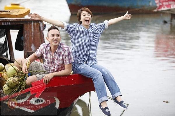 """""""Trai đẹp"""" Minh Hằng tít mắt bên tình địch 4"""