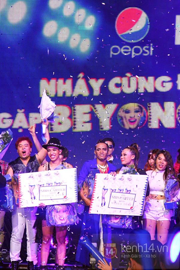 Đông Nhi, Tô Lâm cùng 10 bạn trẻ cháy hết mình với Beyoncé 42