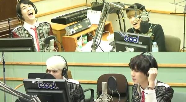 """Key (SHINee) """"cười như điên"""" khi nghe Taemin nhái EXO 1"""