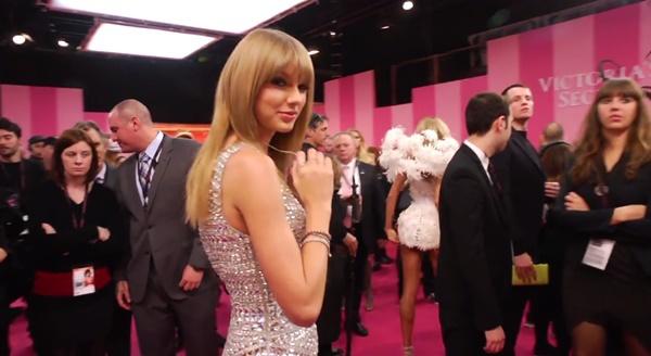 """Dàn mẫu Victoria's Secret """"nhép nhiệt tình"""" theo Taylor Swift 4"""