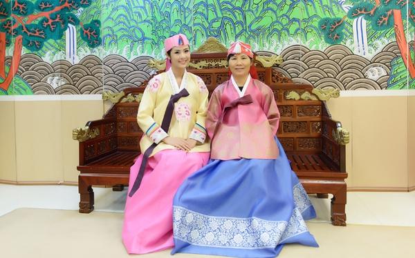 Ngọc Hân xinh tươi trong bộ trang phục truyền thống xứ Hàn 5