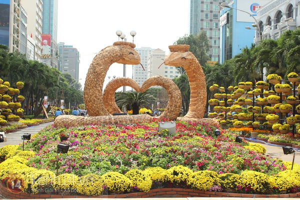 Những hình ảnh đầu tiên về đường hoa Nguyễn Huệ 2013 1