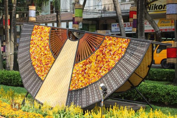 Những hình ảnh đầu tiên về đường hoa Nguyễn Huệ 2013 5