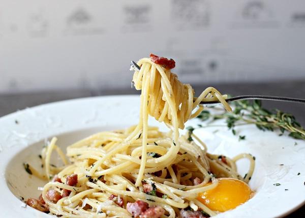 Đến thăm nước Ý với món spaghetti sốt carbonara thơm ngậy 2