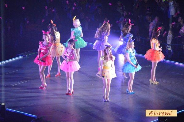 Cận cảnh tour diễn kỷ lục của SNSD tại Nhật Bản 17