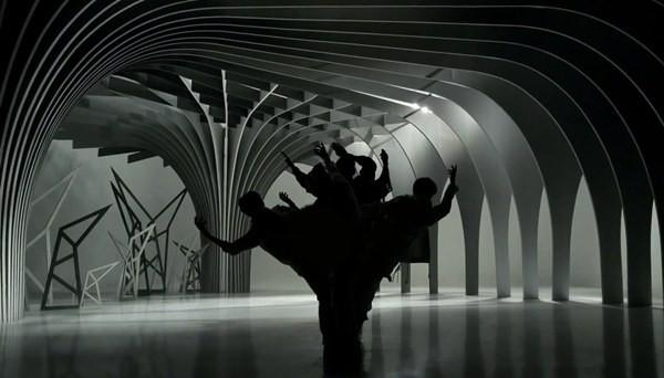 """Những hình ảnh khó quên của EXO trong MV """"Wolf"""" 2"""
