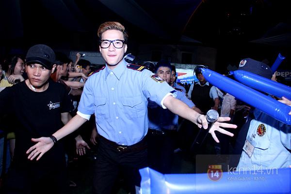 """Đông Nhi hóa """"mỹ nam"""" làm fan cực thích thú 17"""
