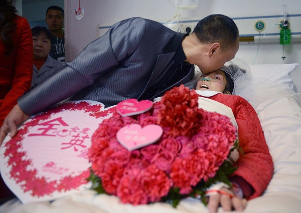 Cảm động đám cưới với bạn gái đang lâm trọng bệnh 1