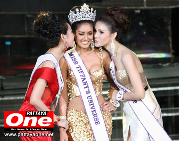 Cận cảnh nhan sắc hoa hậu chuyển giới Thái Lan 2013 6