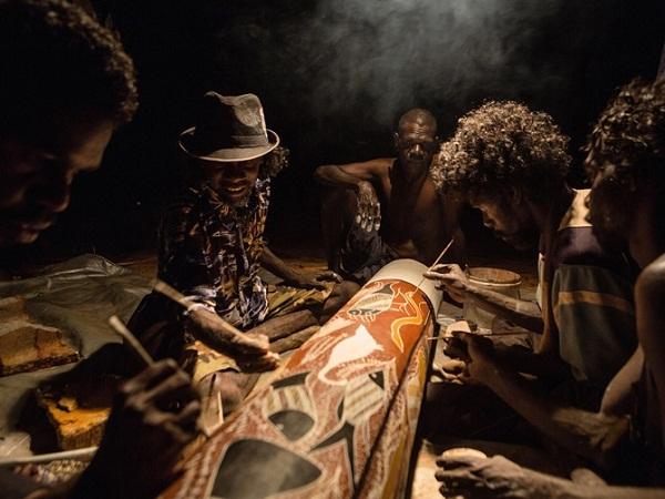 Cộng đồng 50.000 tuổi sống nguyên thủy giữa xã hội hiện đại 11