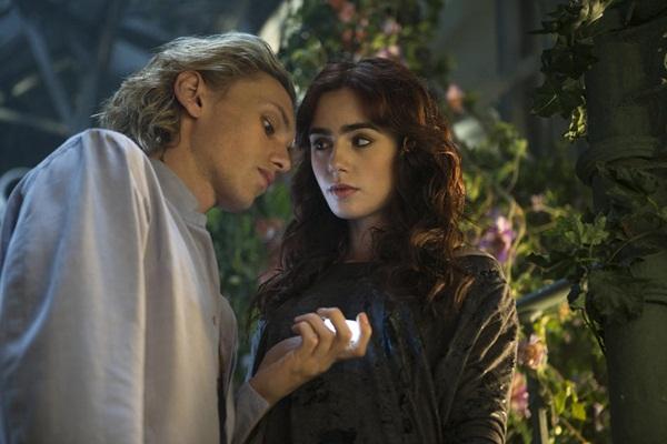 """Bản sao """"Twilight"""" bị trì hoãn ra phần 2 1"""