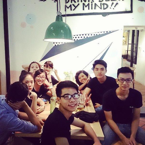 Ngó nghiêng những chàng phục vụ đẹp trai ở các quán cafe hot tại Hà Nội 9