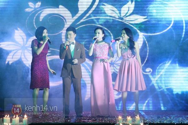"""Con gái Cẩm Ly hóa """"thiên thần rải hoa"""" trong đám cưới Minh Tuyết 28"""