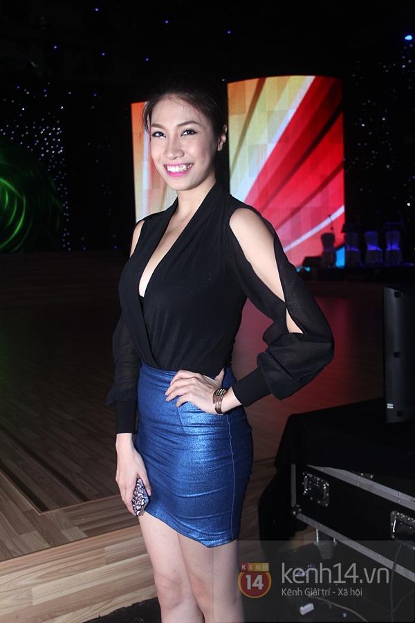 Nam Thành dẫn chị gái Hoàng My xuống Vũng Tàu xem nhảy 9