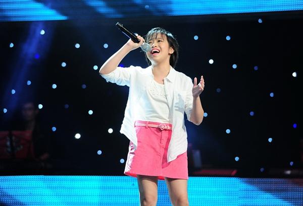 """The Voice Kids tập 3: 4 HLV """"khẩu chiến"""" vì con gái nữ diễn viên Chiều Xuân 11"""