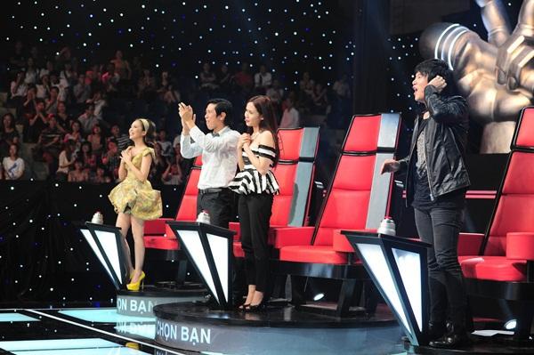"""The Voice Kids tập 3: 4 HLV """"khẩu chiến"""" vì con gái nữ diễn viên Chiều Xuân 1"""