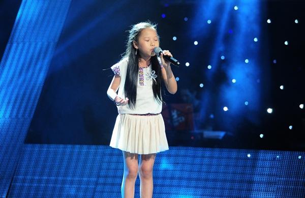 """The Voice Kids tập 3: 4 HLV """"khẩu chiến"""" vì con gái nữ diễn viên Chiều Xuân 3"""