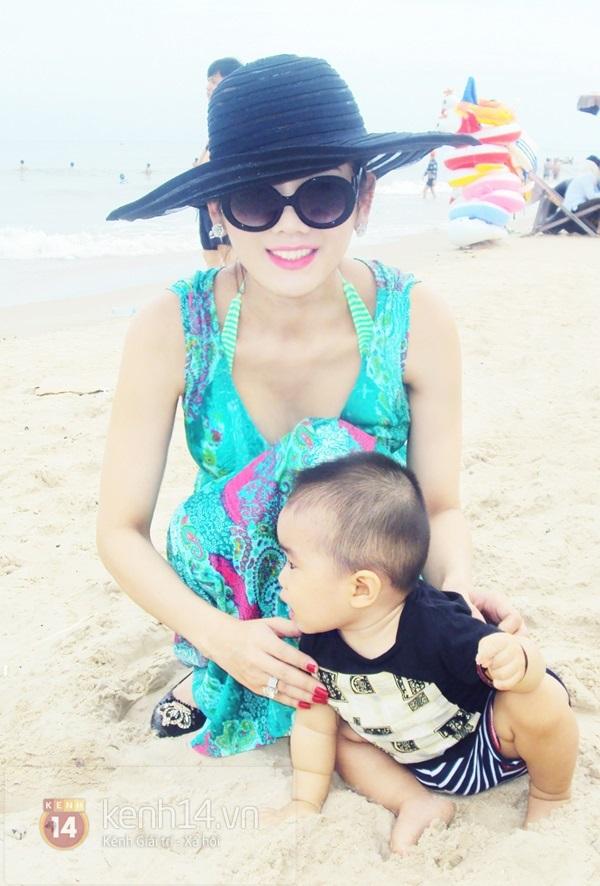 Lâm Chi Khanh lần đầu khoe body nóng bỏng với bikini 2