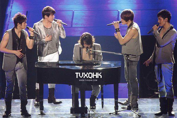 """DBSK 10 năm: """"Tượng đài sống"""" hoàn hảo nhất Kpop 13"""