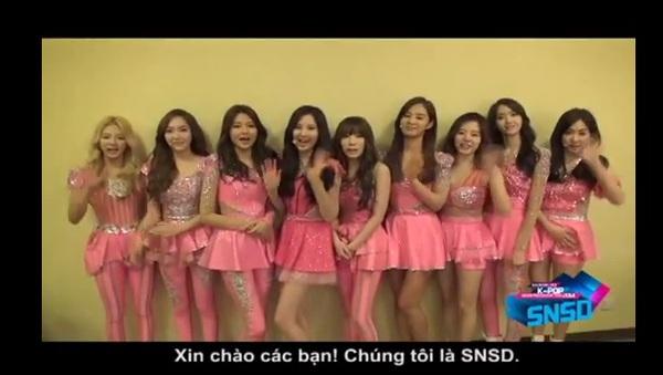 HOT Clip: SNSD rạng rỡ chào fan Việt, BTC trải thảm đó đón sao Hàn ở Tân Sơn Nhất 2