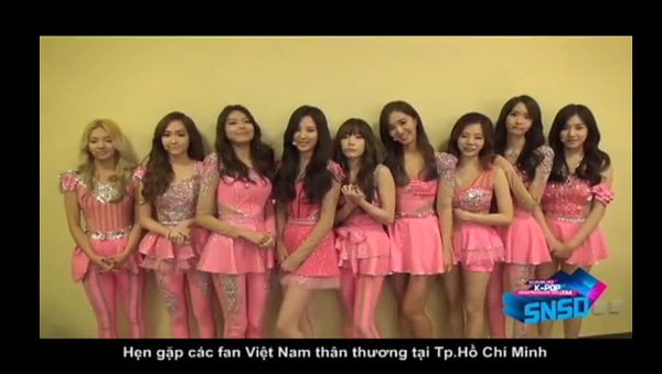 HOT Clip: SNSD rạng rỡ chào fan Việt, BTC trải thảm đó đón sao Hàn ở Tân Sơn Nhất 4
