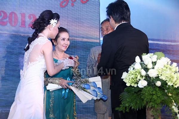 """Đám cưới đậm chất """"biển"""" của Thu Ngọc (Mây Trắng) 14"""