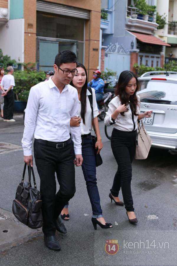 Các sao nghẹn ngào trong tang lễ toàn màu trắng của Wanbi Tuấn Anh 41
